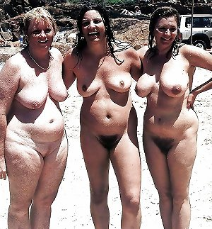 BBW matures and grannies at the beach (84)